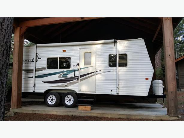 2007 Fleetwood  19ft Mallard sport trailer