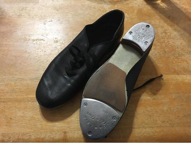 Capezio Womens Size 7 Tap Shoe