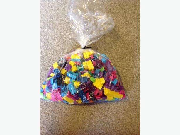 LEGO compatible building blocks