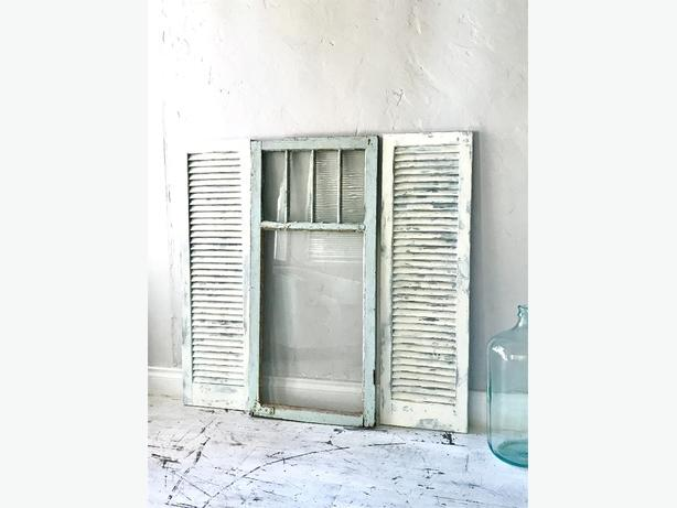 🦋CHIPPY🦋Shabby Chic Windowpane Architectural Salvage Antique Window Wall Decor