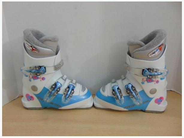 Ski Boots Mondo Size 19.5 Child Size 13 Rossignol Fun Girl