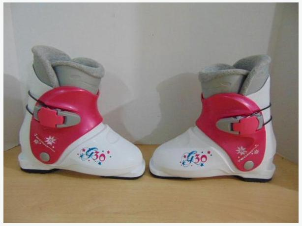 Ski Boots Mondo Size 19.5 Child Size 13.5 Tecno Pro