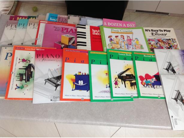 Lots of piano books