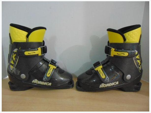 Ski Boots Mondo Size 21.5 Child Size 3.5 Nordica Grey Yellow Some Scratches