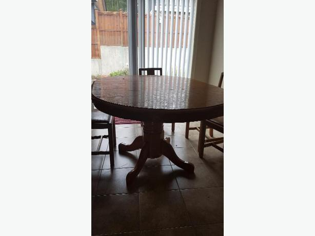 REDUCED...Oak dinning table