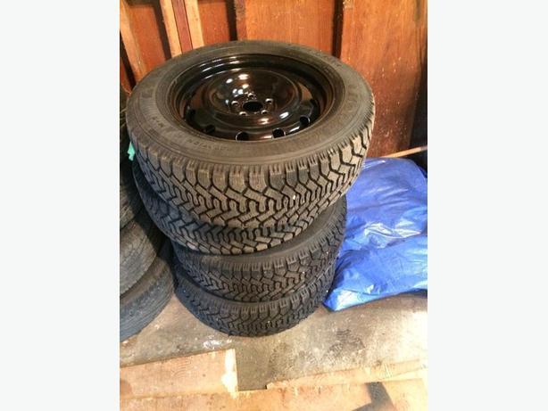 4x 215-60r16 snow tires