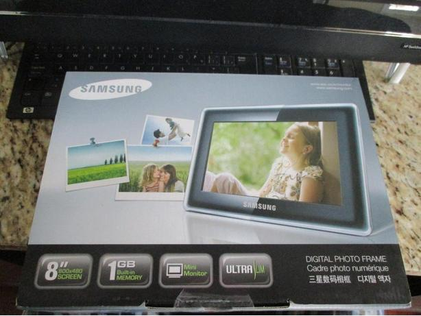 Samsung Digital Picture Frame New In Box Esquimalt View Royal