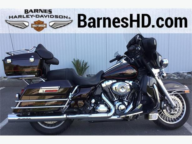 2011 Harley-Davidson® FLHTC - Electra Glide® Classic