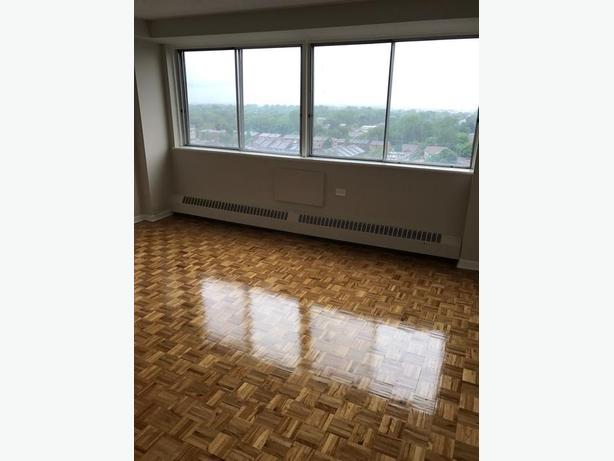 Large 2 bedroom top floor!