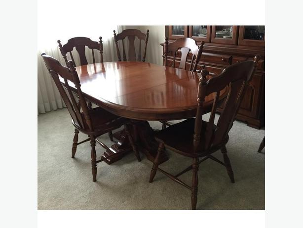 VILAS Pedestal Dining Table 8 Chairs Solid Maple