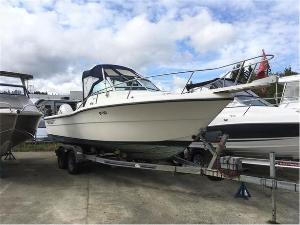1988 Pursuit 2350 -