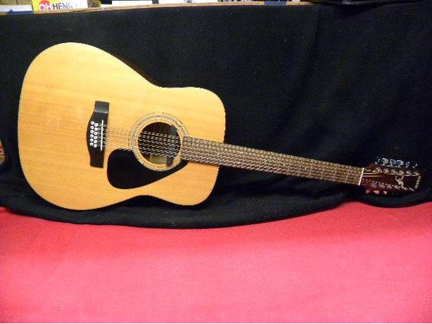 Yamaha 12 string acoustic guitar with Fishman pick up