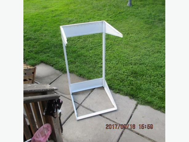 "24"" wide Laundry Stand"