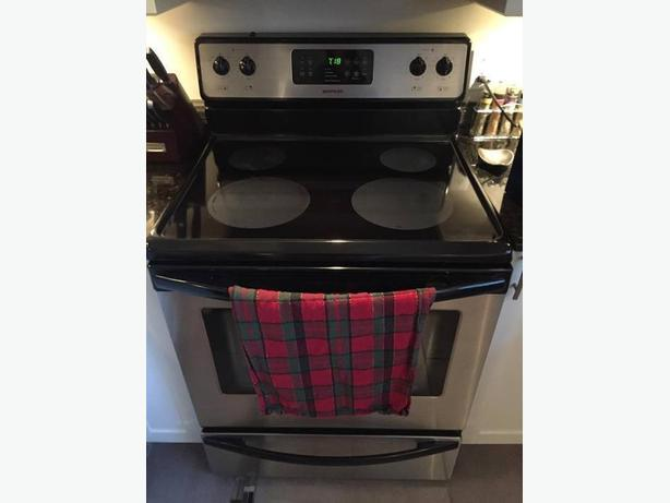 stove for sale/ four a vendre