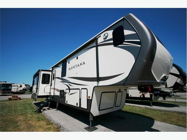 2018 KEYSTONE RV Montana 3920FB