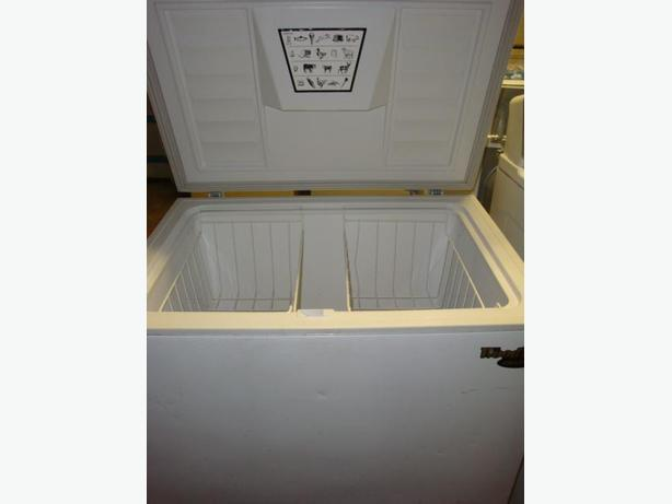 Wood apartment size freezer, Central Ottawa (inside greenbelt), Ottawa