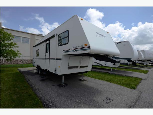1999 Forest River ROCKWOOD F2520