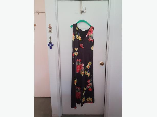 Dress-(black with flower motif)