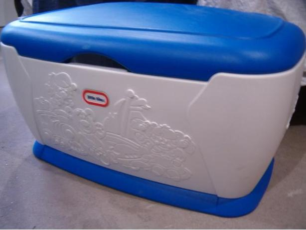 toy box chest, little tikes