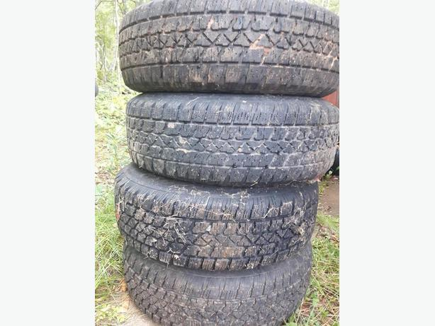 ****** FOR SALE  STUDDED  WINTER TIRES *********