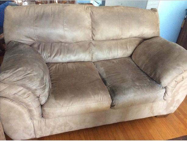 3 Pieces Furniture. Sofa. Love Seat. Rocker Recliner