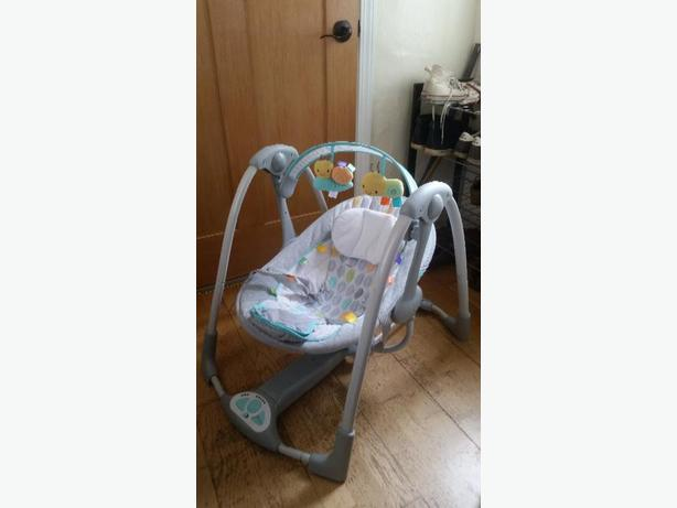 Taggies foldable baby swing