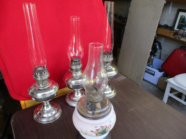 ESTATE KAROCINE LAMPS