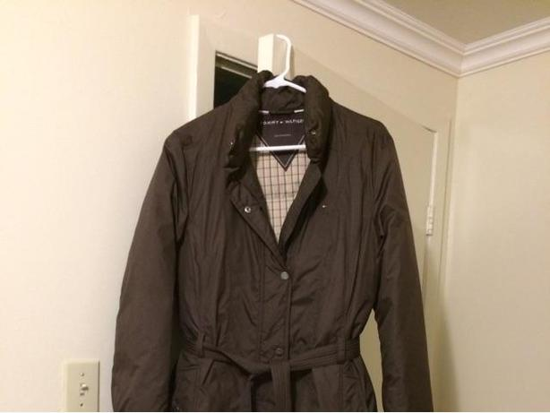 Brown winter coat (TOMMY HILFIGER),excellent condition almost brand new, size L