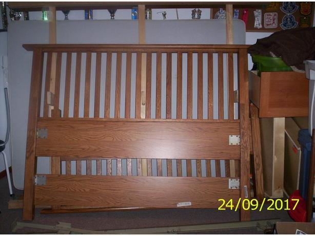 Palliser Queen size bed