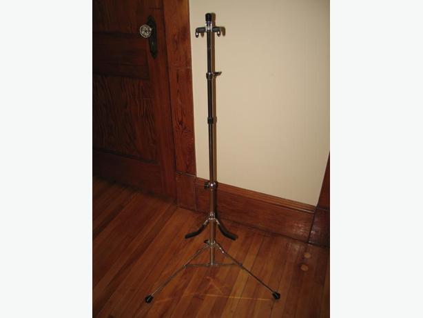 Chrome Guitar Stand
