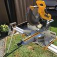 Dewalt 12 inch compound sliding mitre saw and stand