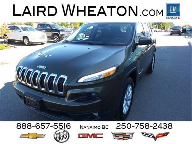 2015 Jeep Cherokee North 4x4 Clean