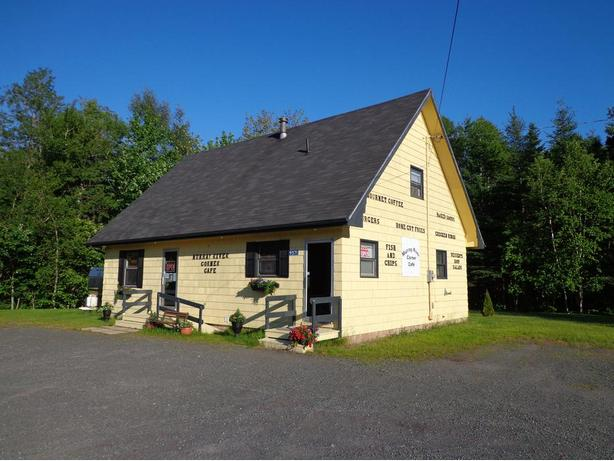 FOR SALE: Restaurant/cafe (w apt.) in Murray River, PEI
