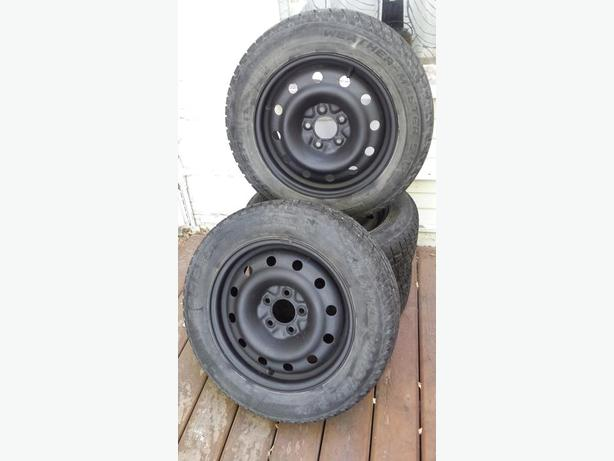 4 winter tires (205/60R16) with steel rims