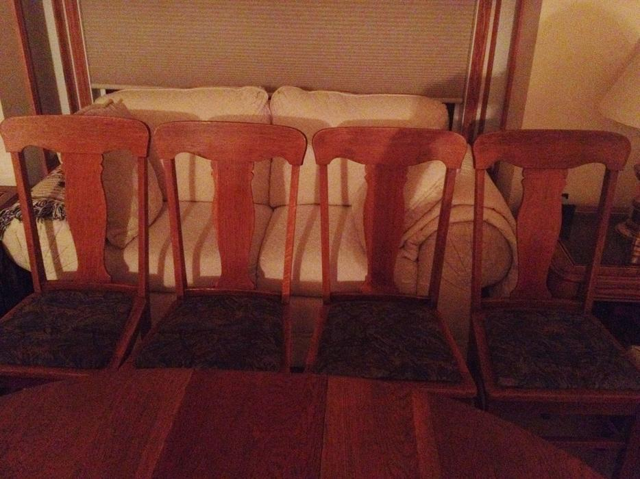 Antique Dining Room Table amp 4 Chairs East Regina Regina : 65607965934 from www.usedregina.com size 934 x 700 jpeg 93kB