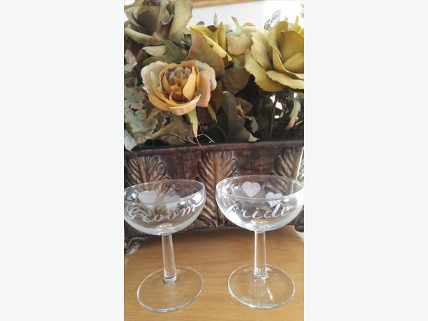 45 YEAR OLD BRIDE AND GROOM STEMMED TOASTING GLASSES
