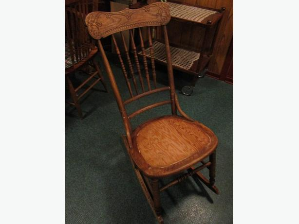 1920S NURSING ROCKER FROM ESTATE