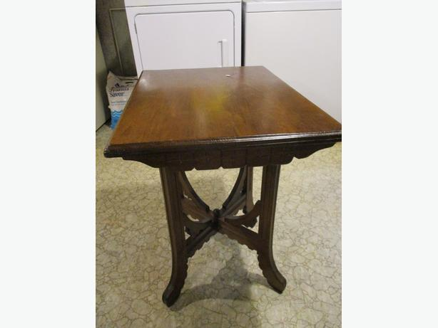 1920S WOODE PARLOR TABLE FROM ESTATE