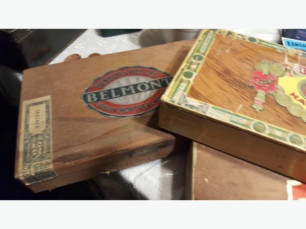 3 Rare Vintage B & H Wooden Cigar Boxes! Wood Coronas de Benson & Hedges