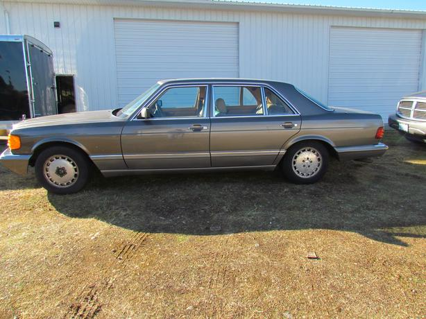 1988 Mercedes 560 SEL - $1500