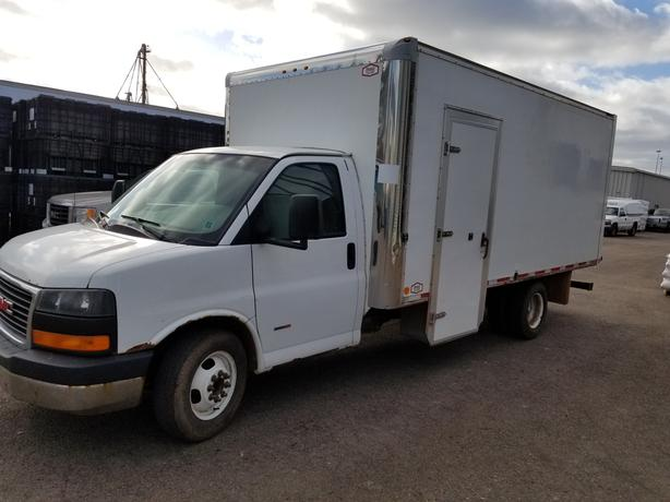 2008 GMC Savana Cube Van