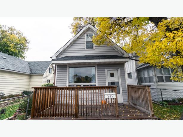 579 Herbert Avenue -Professionally Marketed by Judy Lindsay Team
