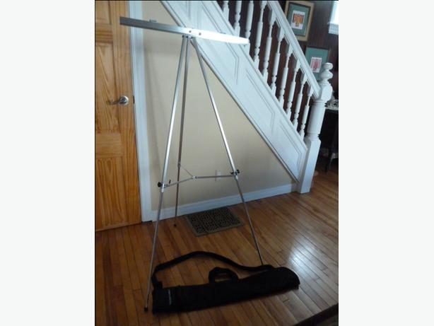 Aluminum Lightweight Presentation Easel with carrying case