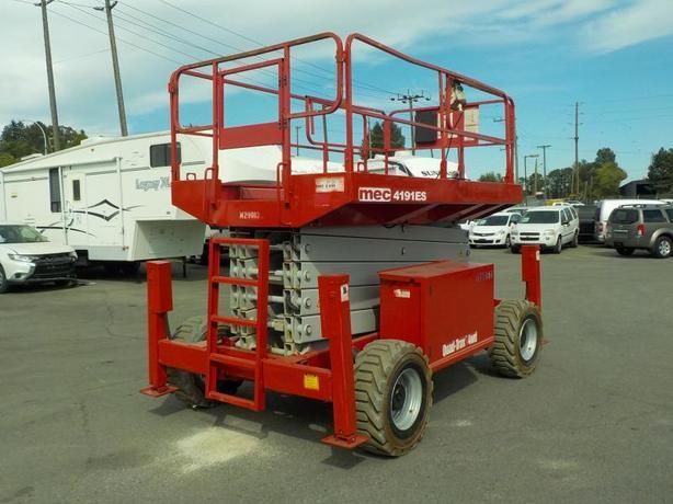 2010 MEC 4191ES Quad Trax 4WD Scissor Lift