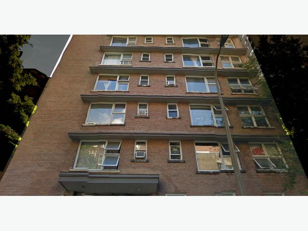 Downtown Montreal apartment available in Nov/Dec