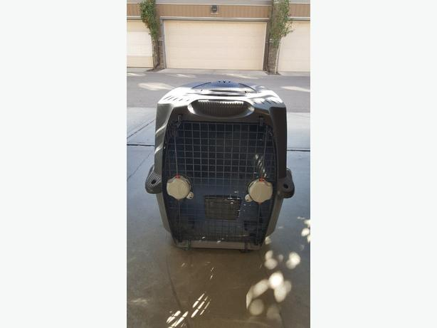 Dog Kennel (medium) in perfect condition