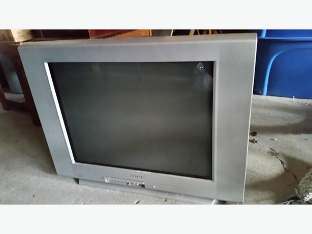 sony kv 27fs120 27 inch fd trinitron wega flat screen tv north rh usedregina com Sony Trinitron 27-Inch Sony KV-27FS120 Manual
