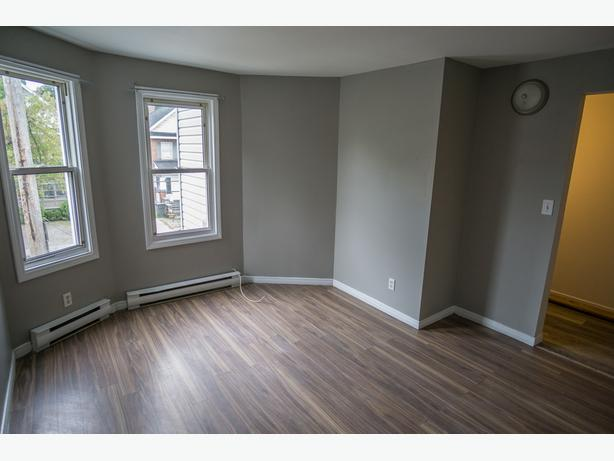 2 Bedroom - DownTown Apartment - available immediately