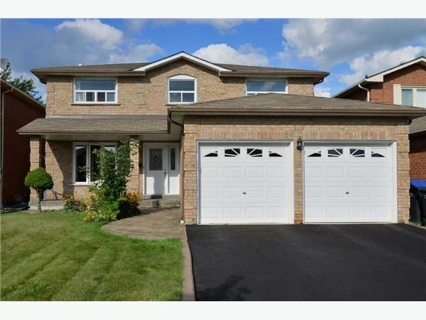 Family-Sized 4 Bedroom Home For Lease in Brampton Westgate Area!