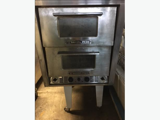 Bakers Pride Double Deck Pizza Oven ( With Warranty )